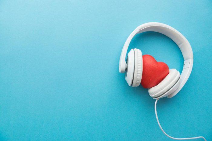 heart-with-headphones